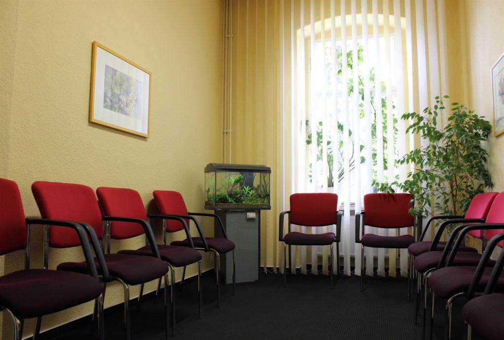 Flossenheld-Aquaristik-Service-Aquarienpflege-Service-Berlin-Aquarien-Fische-Wartezimmer